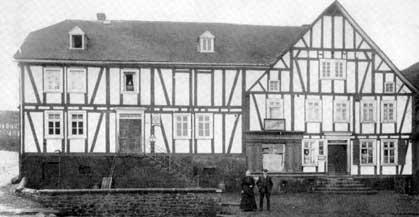 Das alte Wanersch Haus, links